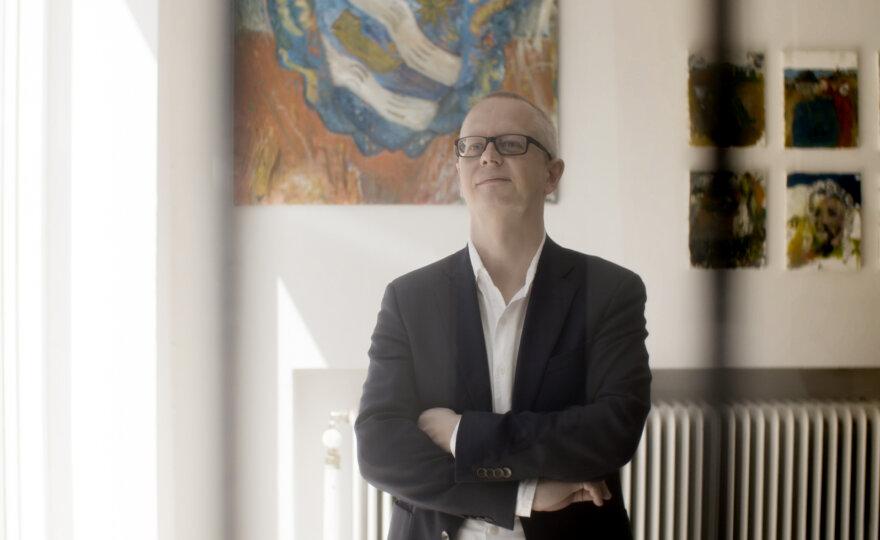 Martin Schibli - international exhibition curator, author & museum- & art consultant